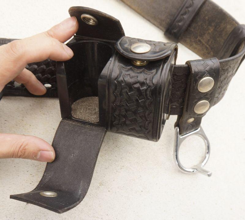 米法執行機関放出ポリスベルトセット(ビアンキ製4インチリボルバー用ホルスター・TEX SHOEMAKER&SONS製ベルトなどがセット)