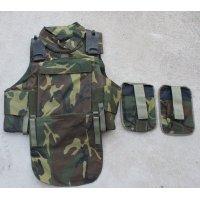 イタリア軍ウッドランド迷彩AP98ボディアーマーLARGE?