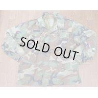 米軍 米海軍徽章付きM65フィールドジャケット ウッドランド迷彩ブラスジッパー+プラスチックジッパー仕様MEDIUM-REGULARライナー付き