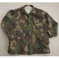 カナダ製 民生品? カナダ軍 試作品? ウッドランド迷彩ジャケット