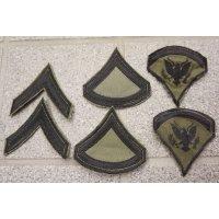 米軍ベトナム戦争 米陸軍 兵・下士官サテン生地サブデュード階級章 新品2枚セット