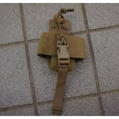 画像1: 米軍 米海兵隊タクティカルテイラーAN/PRC-153ラジオポーチCB(コヨーテブラウン)新品