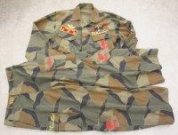 韓国軍 海軍海兵隊ブロックパターン迷彩 上下セット 刺繡パッチ付き